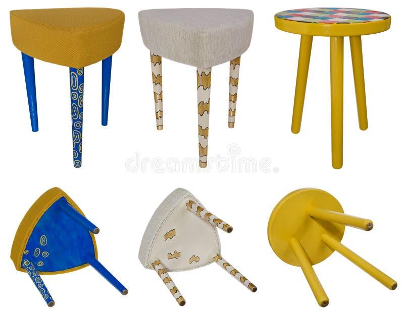 Trämångfärgade modeller för handgjord stol Flerfärgade platser av royaltyfri bild