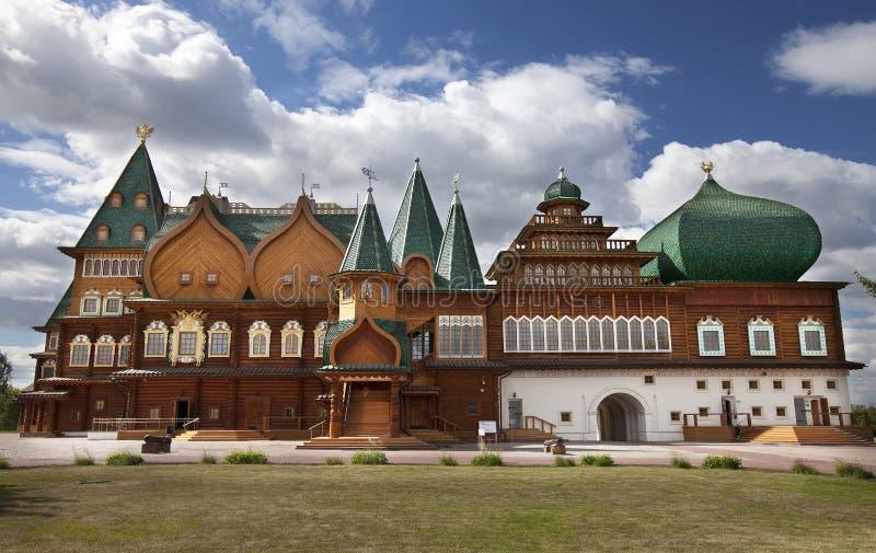 trämoscow slott royaltyfri fotografi