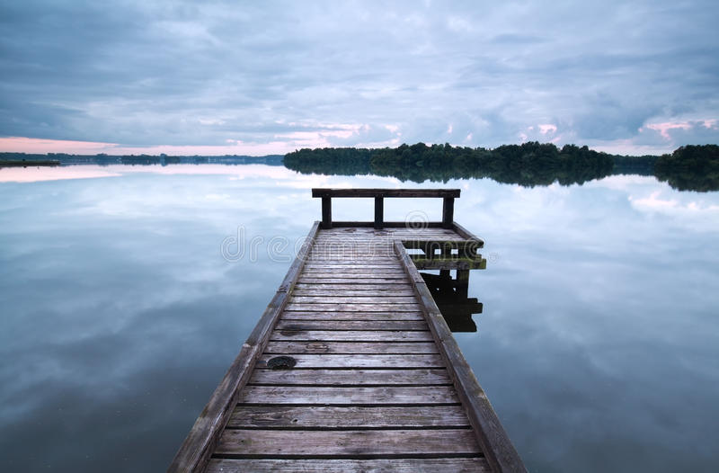 Träpir på den stora sjön arkivbild