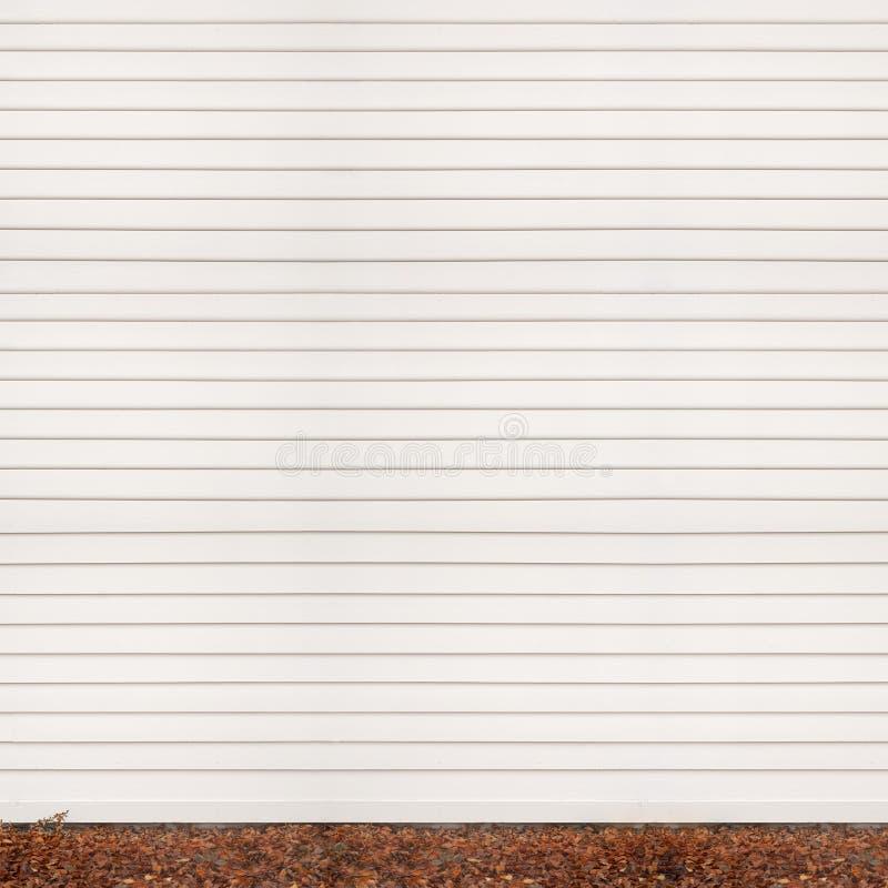Träplankaväggen, grundar dolt med stupat royaltyfri bild