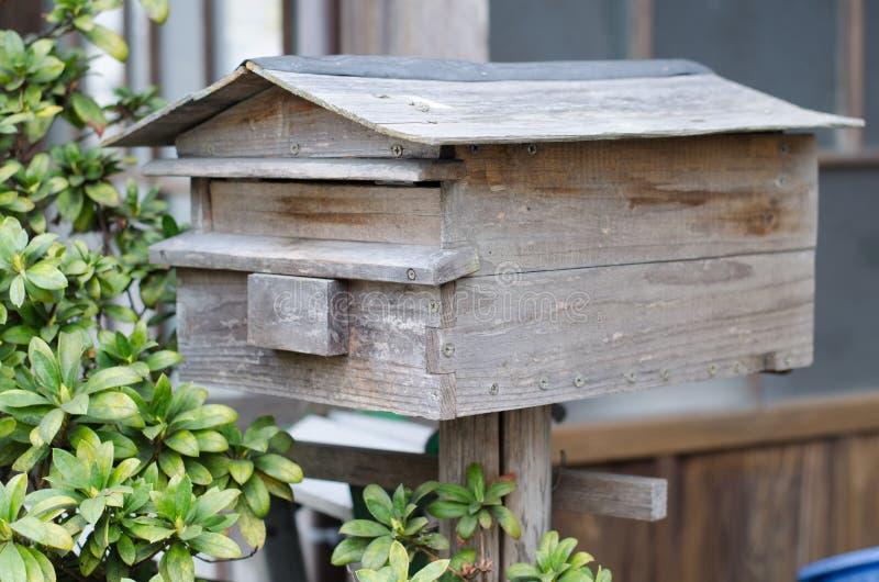 Träpostbox arkivfoto