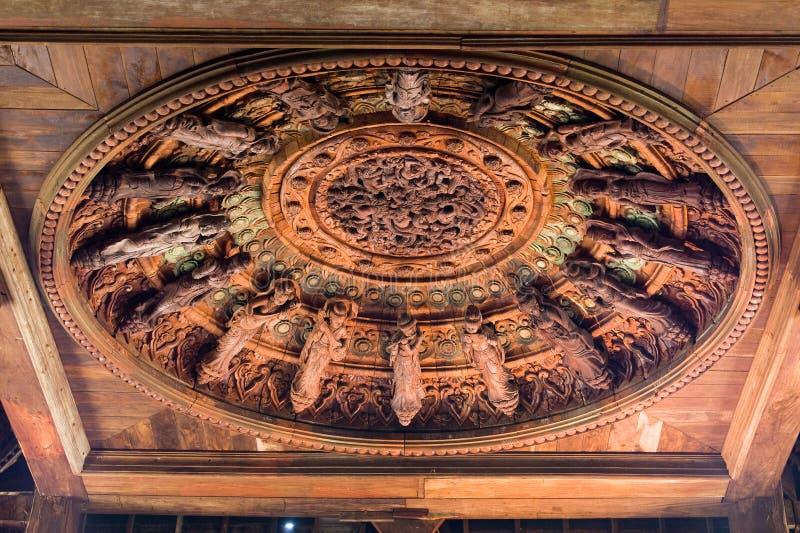 Download Träsanning För Thaila För Pattaya Fristadskulptur Arkivfoto - Bild av skulptur, fristad: 19793490