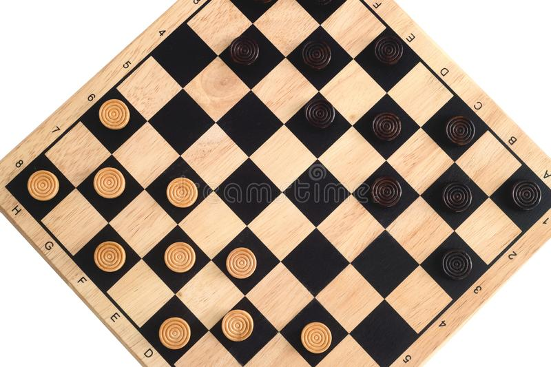 Träschackbräde med kontrollörer som göras mellanslag som isoleras på vit royaltyfria bilder