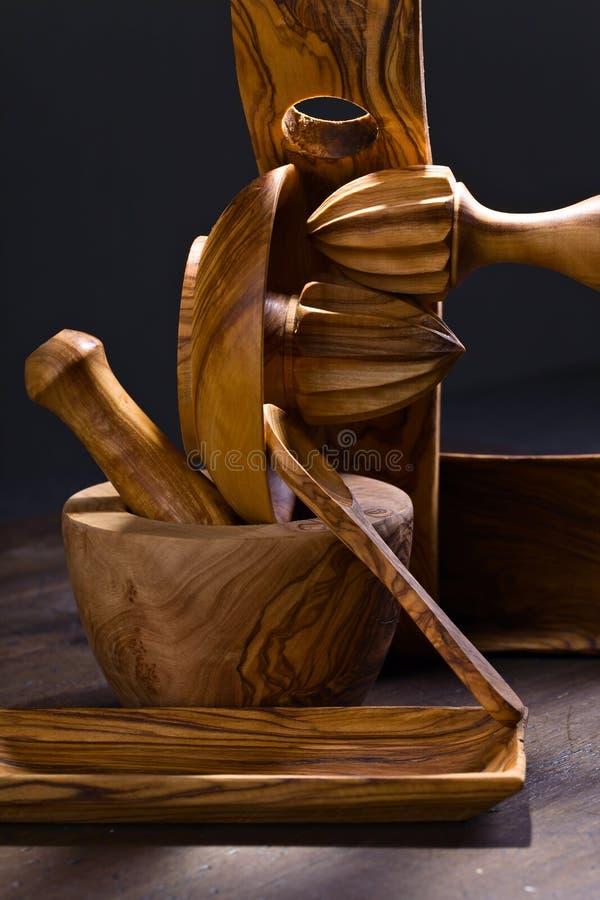 träset utensils för kök royaltyfria foton