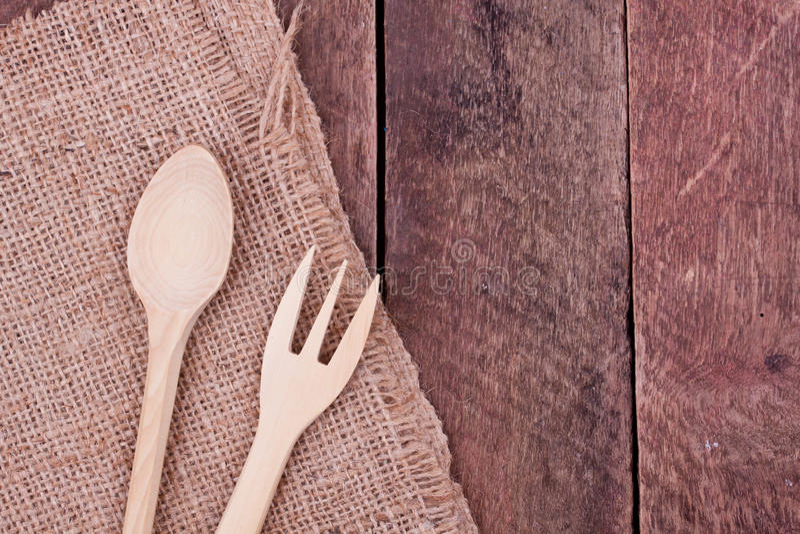 Träsked och gaffel royaltyfria bilder