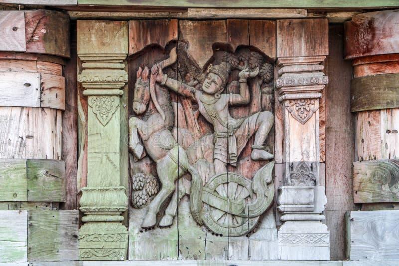 Träskulptur arkivfoton
