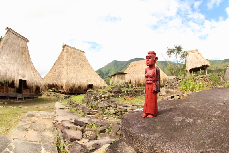 Träskulptur, Ende arkivfoto