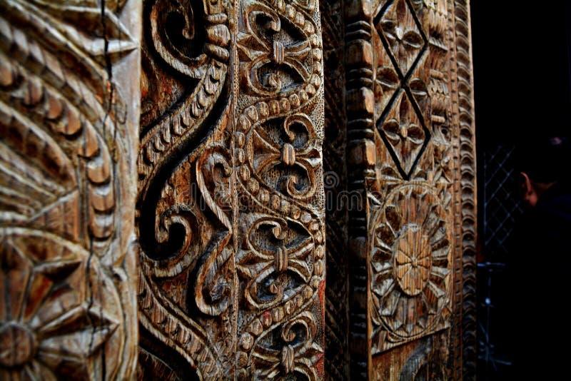 Träsnida på en indisk tempel royaltyfri foto