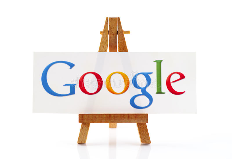 Trästaffli med ordet Google royaltyfria bilder