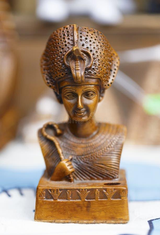 Trästaty av farao royaltyfria foton