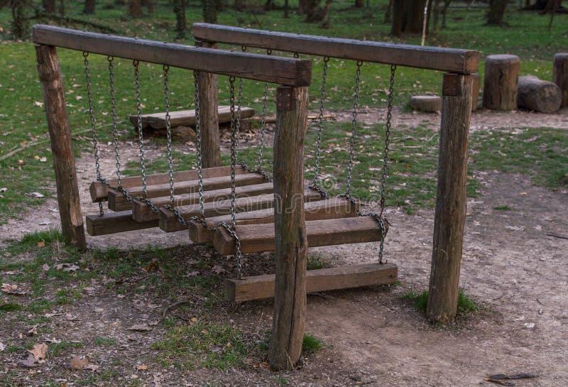 Trästruktur på lekplats fotografering för bildbyråer