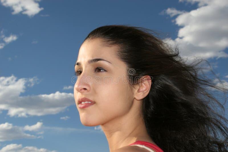 Träumerische, schöne, griechische Frau stockbild