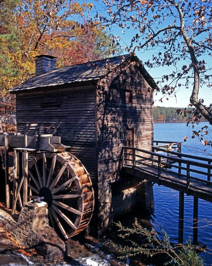 Trävattenhjul, Atlanta, USA. royaltyfri bild