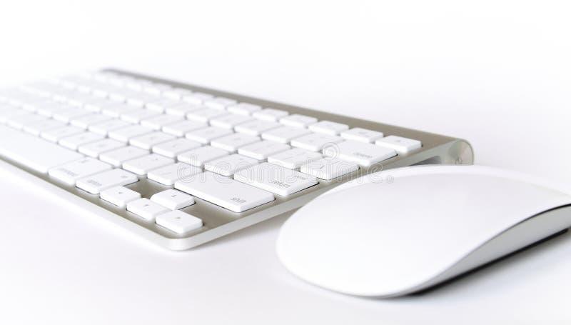 Trådlöst tangentbord och mus royaltyfri foto