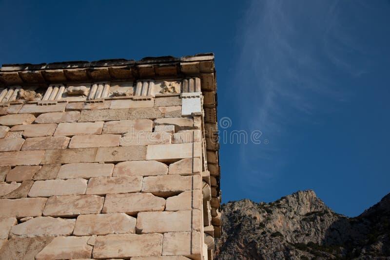 Trésor athénien au temple d'Apollo, site de Delphes La Grèce frag photographie stock libre de droits