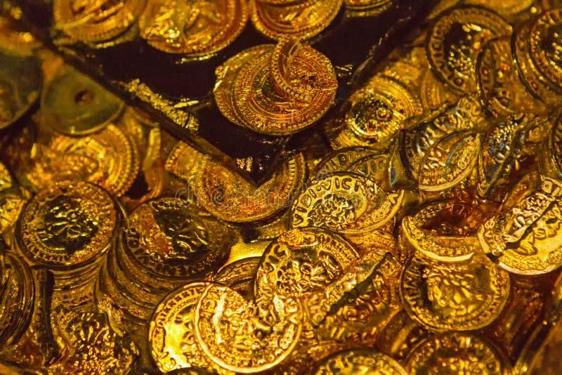 Trésor de pirate d'or photographie stock