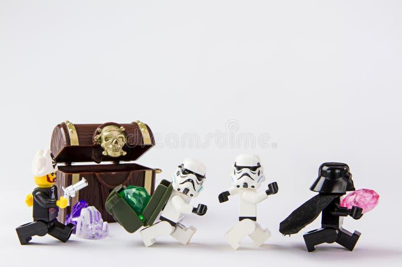 Trésor de pirate volé par Guerres des Étoiles de Lego photo libre de droits