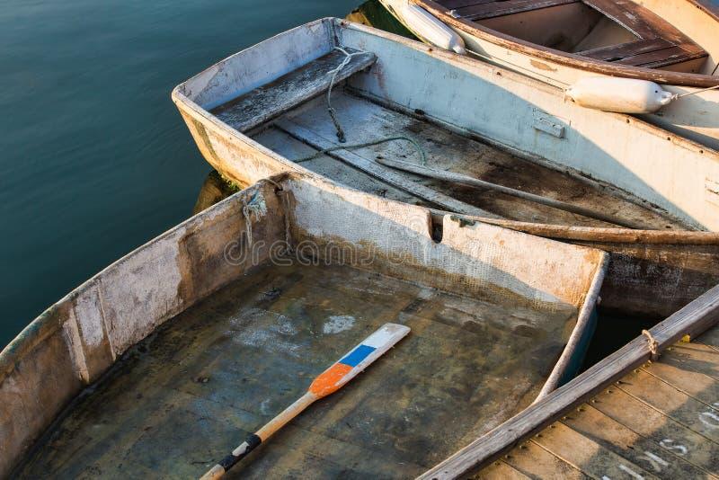 Três barcos de fileira de madeira fotos de stock royalty free