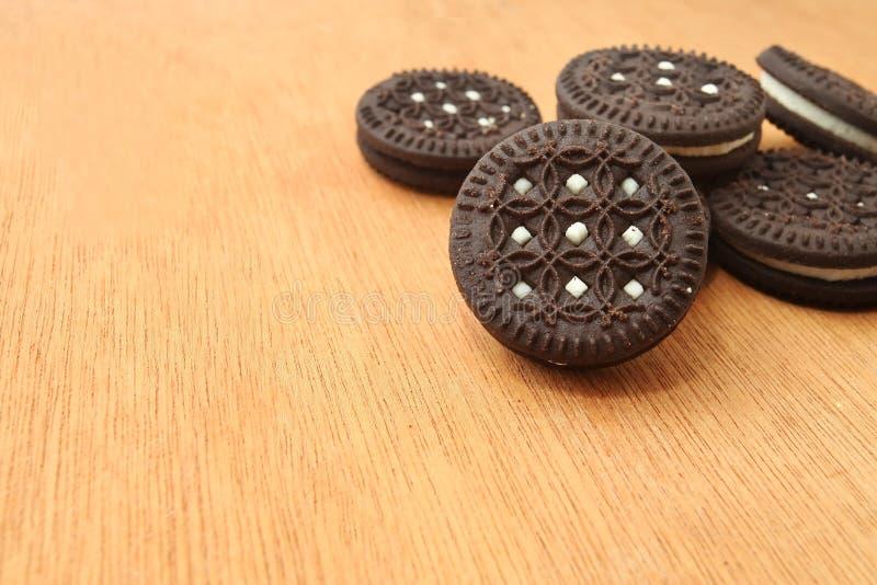 Três bolinhos do chocolate fotografia de stock royalty free