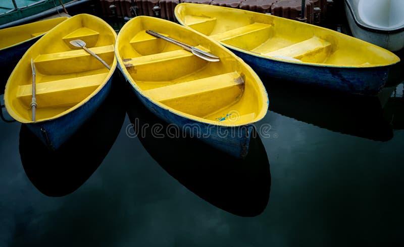 três botes em Suan Luang Rama IX imagens de stock royalty free