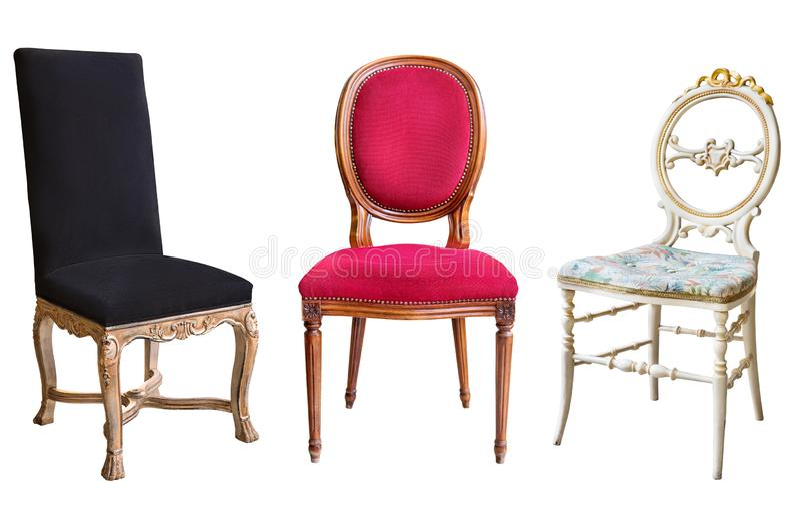 Três cadeiras lindos do vintage isoladas no fundo branco Cadeiras com estofamento preto, vermelho e branco foto de stock