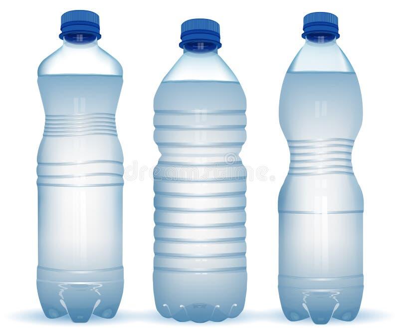 Três garrafas plásticas realísticas com água com o tampão azul próximo o ilustração do vetor