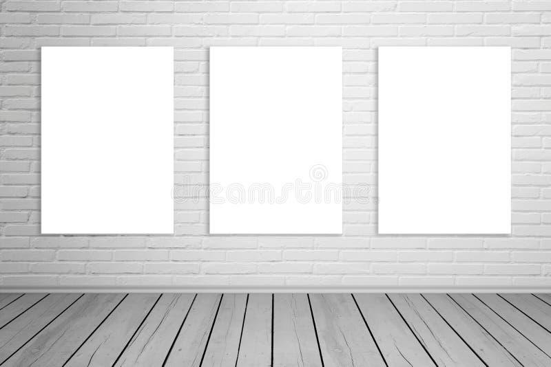 Três isolaram a lona de arte na parede de tijolo para o modelo imagem de stock royalty free