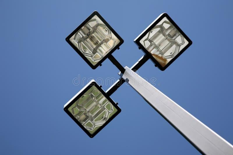 Três lâmpadas de rua do diodo emissor de luz imagens de stock