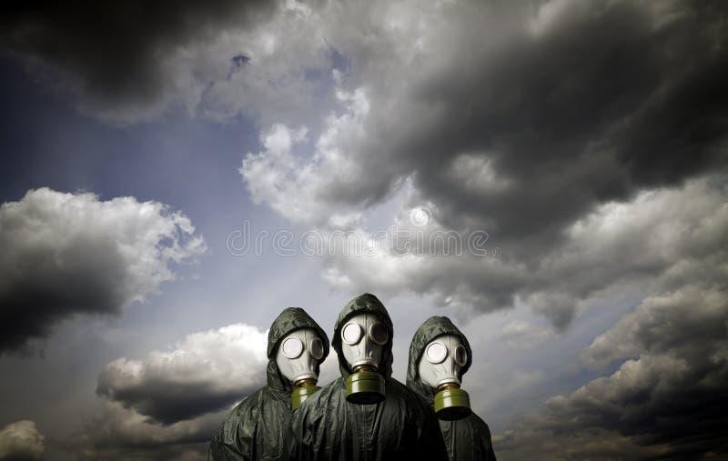 Três máscaras de gás Tema da sobrevivência imagem de stock royalty free