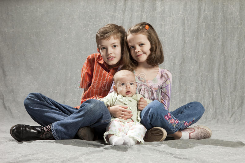 Três miúdos foto de stock royalty free