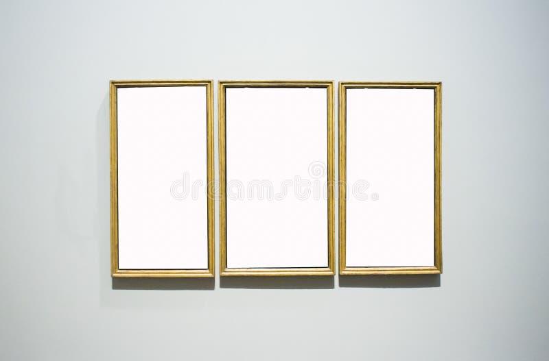 Três molduras para retrato ornamentado Art Gallery Museum Exhibit Blank Whi fotografia de stock