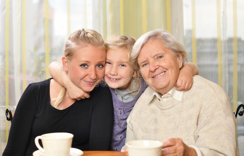 Três mulheres - três gerações. fotos de stock