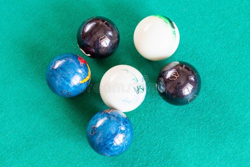 Três pares de várias bolas chinesas de baoding foto de stock