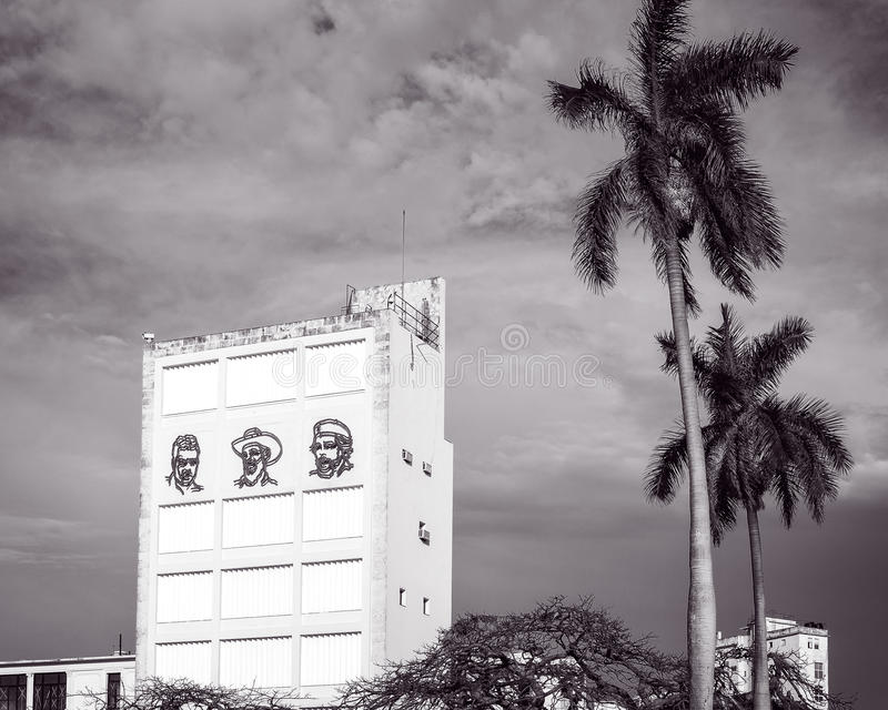 Três revolucionários em Havana velho, Cuba fotografia de stock