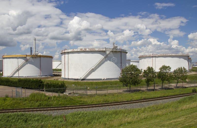 Três silos do petróleo foto de stock royalty free