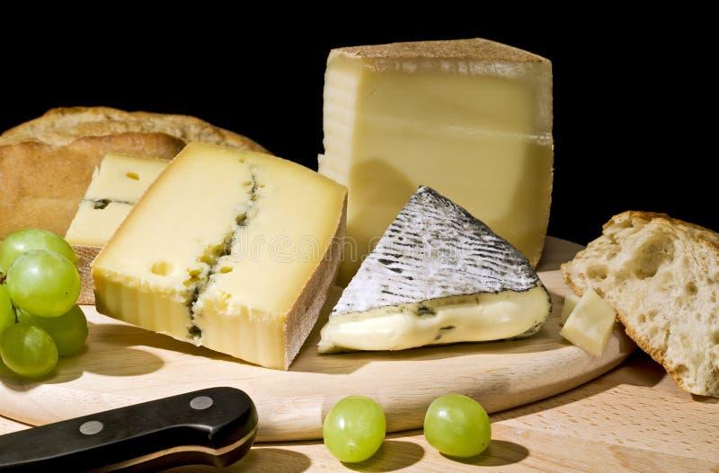 Três tipos do queijo fotos de stock