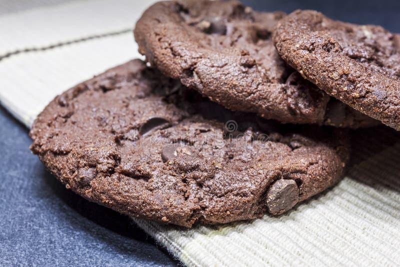 Trío de las galletas del chocolate imagenes de archivo