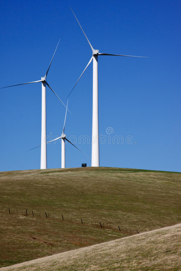 Trío de las turbinas de viento fotografía de archivo