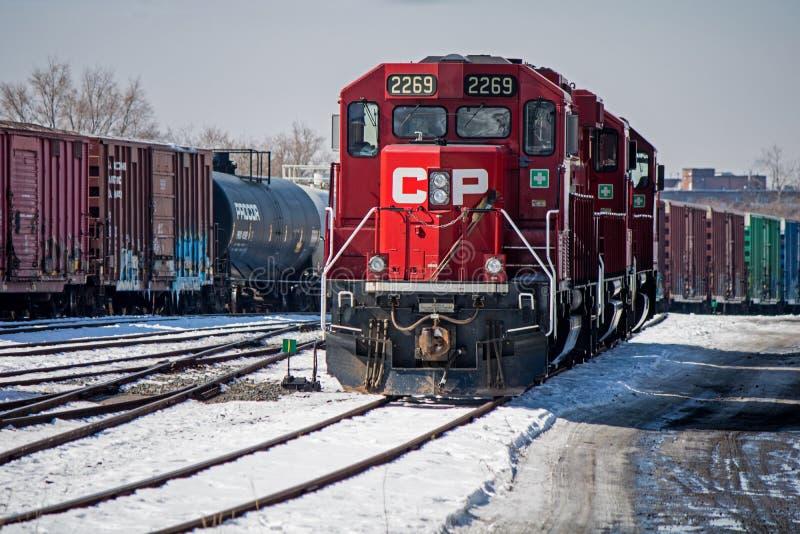 Trío de los motores diesel del CP que esperan el trabajo fotografía de archivo