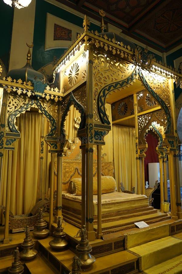 trône au maimoon de Maimun Palace ou de sultan d'istana images stock