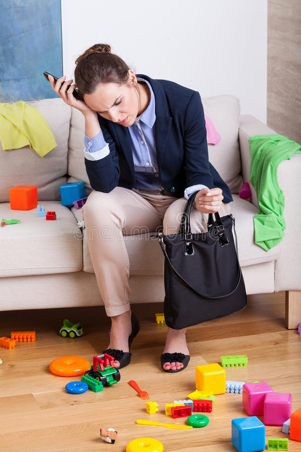 Trött moder för arbete arkivfoton