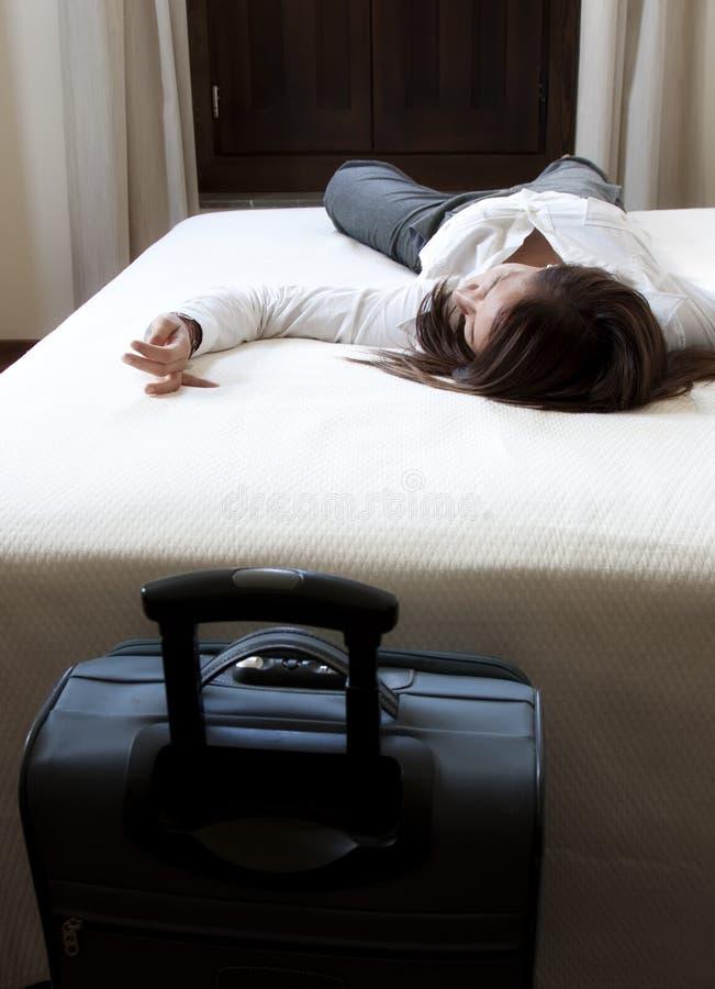 tröttad affärskvinna royaltyfri foto