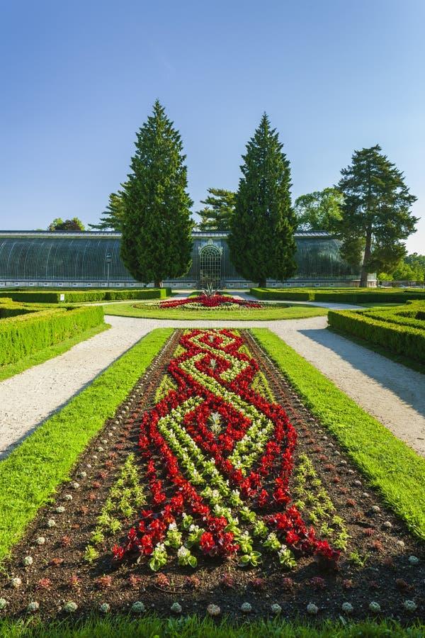 tr?dg?rd av den Lednice slotten, Tjeckien royaltyfria bilder