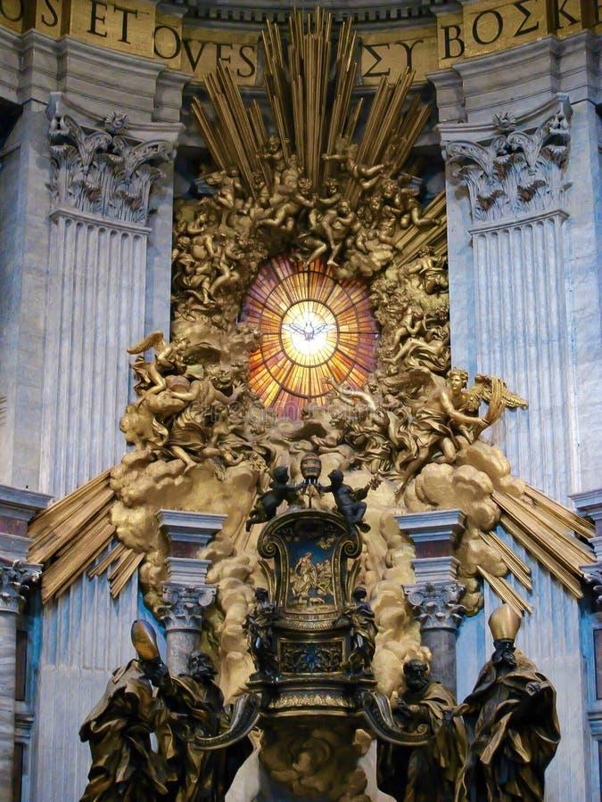 Trône de St Peter, la basilique de St Peter, Rome, Italie images stock
