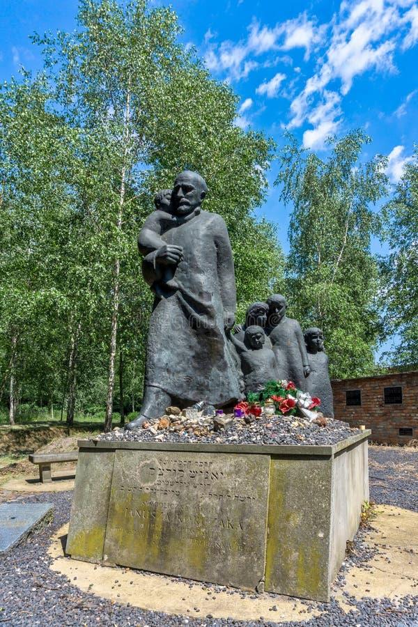 Traços de memorial judaico de Varsóvia - de Korczak fotografia de stock