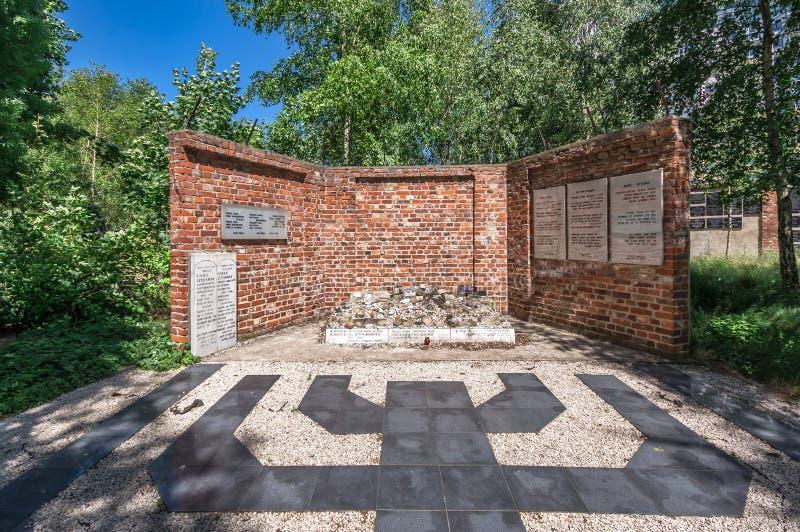 Traços de Polônia judaico - memorial do holocausto foto de stock
