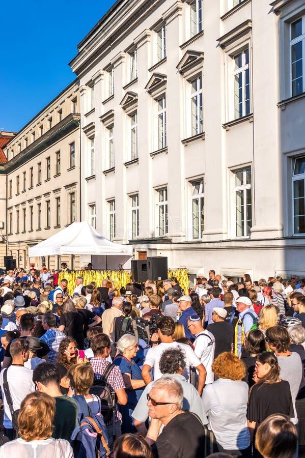 Traços de Varsóvia judaica - o março da relembrança 2018 foto de stock