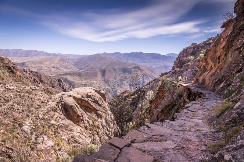 Traînée antique d'Inca près de sucre, Bolivie photographie stock libre de droits