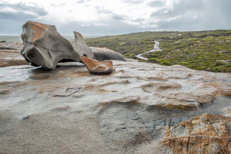 Traînée aux roches remarquables, île de kangourou, Australie le jour pluvieux images libres de droits
