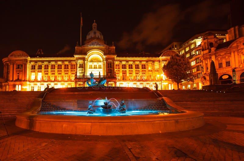 Traînée dans la statue de rivière de jacuzzi devant la Chambre de Birmingham Coiuncil image libre de droits